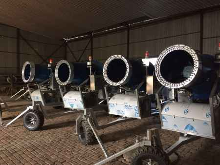 雪峰国产自行式造雪机销售